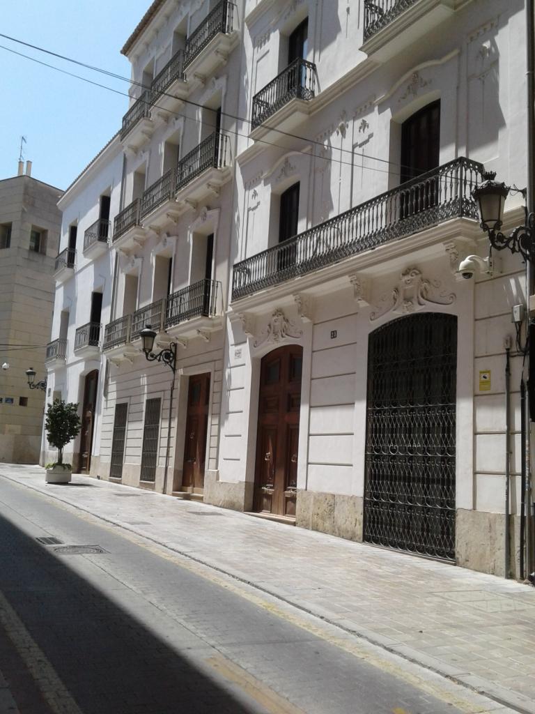 Valencia building 2