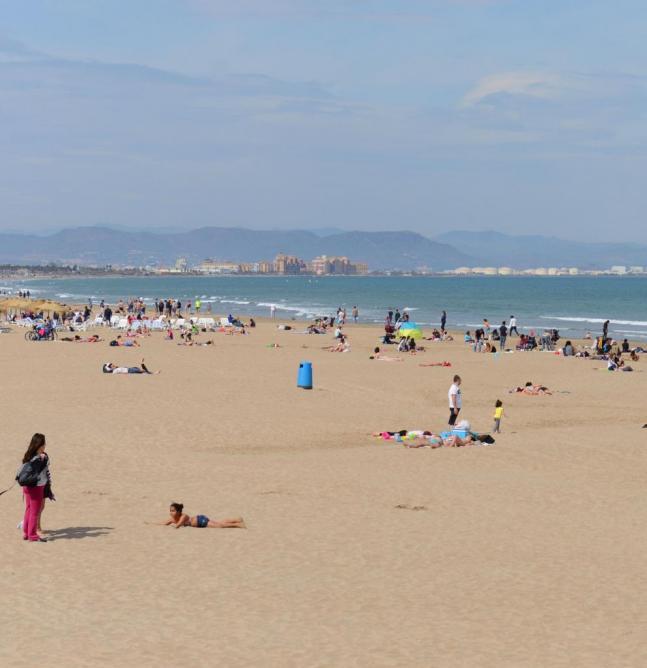Valencia Playa Malvarossa photo Bob Driessen