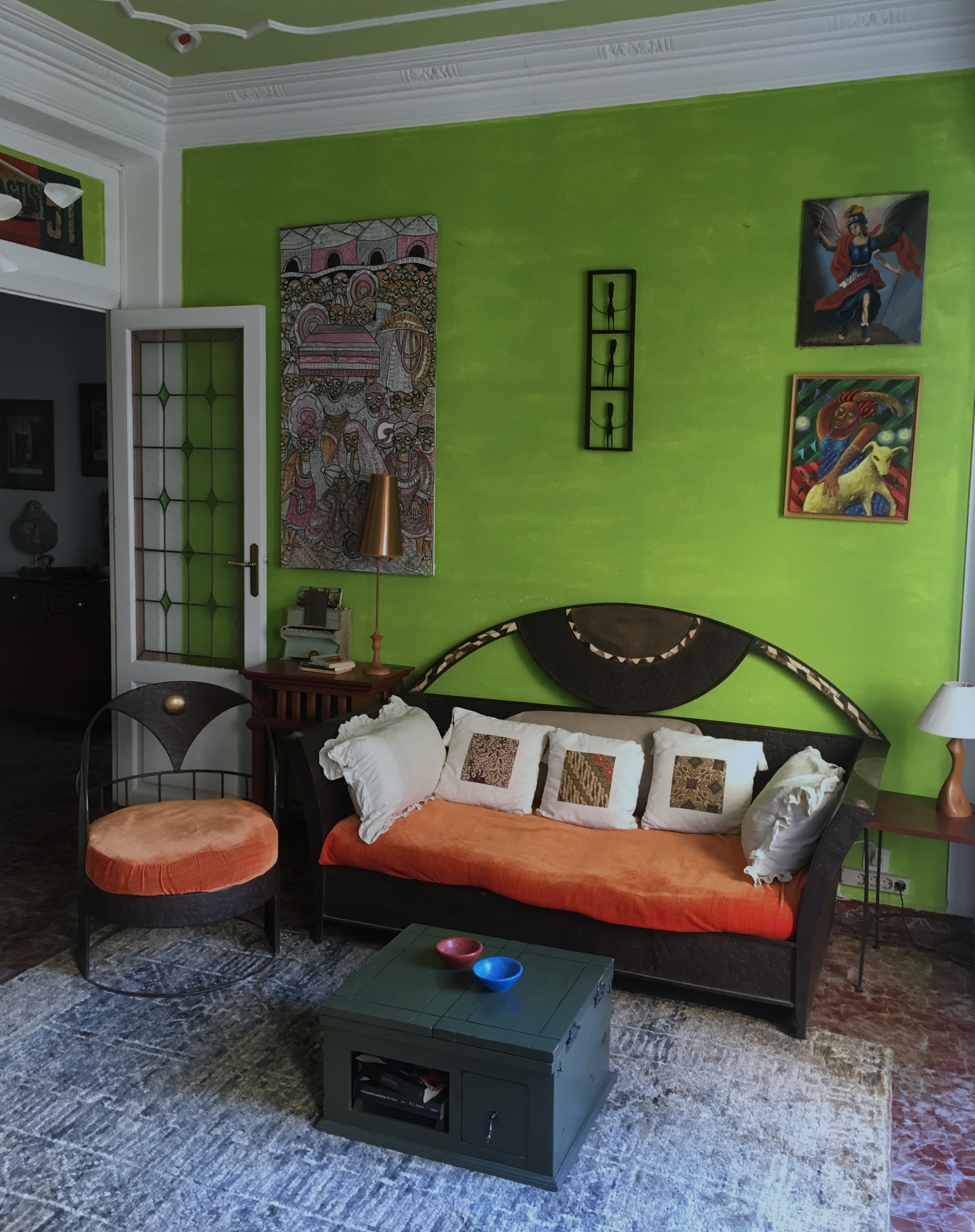 Valencia arthouse living room